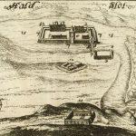 Udsnit af stik over Hald Slot fra Peder Hansen Resens Atlas Danicus. Udfærdiget mellem 1666-1677. Scan: Det Kongelige Bibliotek – Kobberstiksamlingen.