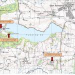 Som kortet viser er området omkring herregården Fussingø præget af skov, bakker og sø. På kortet er herregårdens forskellige beliggenheder markeret. 4 cm kort 1986-2001. Foto: historiskatlas.dk.