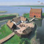 Sådan kan Niels Bugges Vosborg have set ud i sommeren 1350. Borgen gik af brug ved midten af 1500-tallet, hvorefter den forfaldt. I 1593 ramte en voldsom stormflod området, og resterne af borgen blev totalt raseret, men på trods af anlæggets dårlige bevaringstilstand gav udgravningens resultater en god forestilling om, hvordan borgen var opbygget. Den bestod af mindst to borgbanker, der var forbundet af en bro, og på den ene banke havde der stået et mægtigt stenhus med tegltag. Borgen lå helt ud til fjordkysten tæt på Storåens udløb. Her var der direkte adgang til Vesterhavet og til de befærdede nord-sydgående vejstrøg.. Tegning: Erik Sørensen.