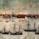 Som driftig købmand i den lille søkøbstad Ringkøbing havde Peder Tang mange jern i ilden. Blandt andet havde han part i flere af de fragtskibe, der var hjemmehørende i byen. På billedet, der er fra 1810, ser man Ringkøbing fra fjorden. Måske er det nogle af Tangs skibe, der ligger for anker på reden. Ringkøbing fik først en havnekaj i 1905, og indtil da blev varer transporteret på pramme til og fra skibene. Gouache af Jesper Kirkegaard på Ringkøbing Museum. Foto: Ringkøbing-Skjern Museum.