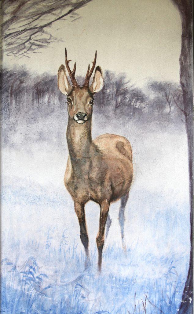 Ved indretningen af Jagthuset blev der i spisestuen malet en række vægmalerier med jagtmotiver. Spisestuen var desuden indrettet med panoramavinduer over godsets skove og Kalø Vig. Foto: Nationalpark Mols Bjerges sekretariat.