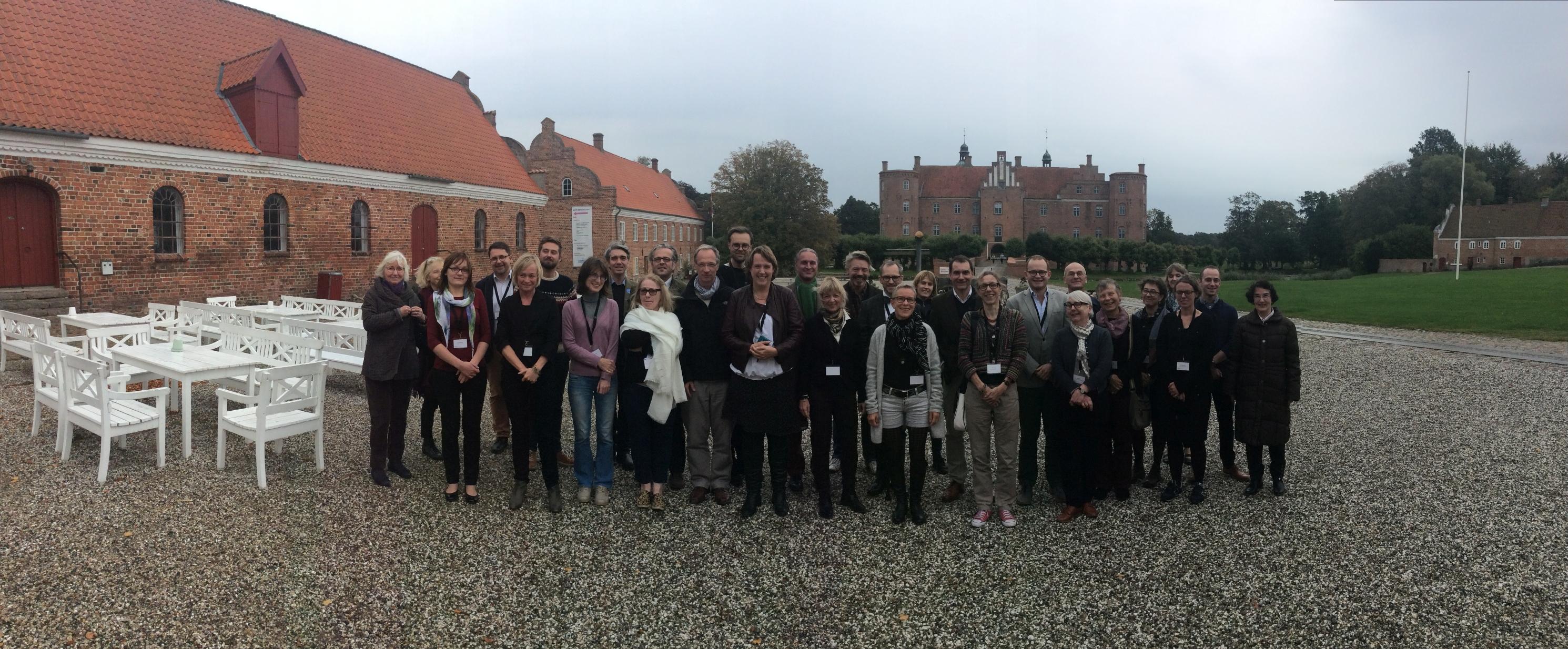 Det internationale forskningsnetværk for herregårdhistorie ved navn ENCOUNTER (European Network for Country House and Estate Research) blev stiftet under netværkets første konference på Gammel Estrup i 2015. Foto: Gammel Estrup – Herregårdsmuseet.